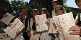 Absolwenci gimnazjów dostali nieważne świadectwa