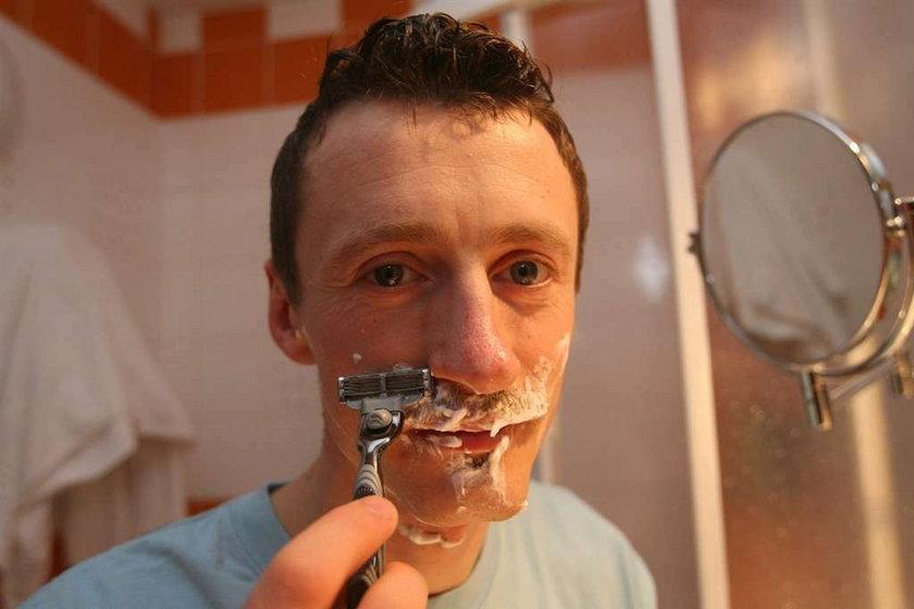 Małysz zgolił wąsy!