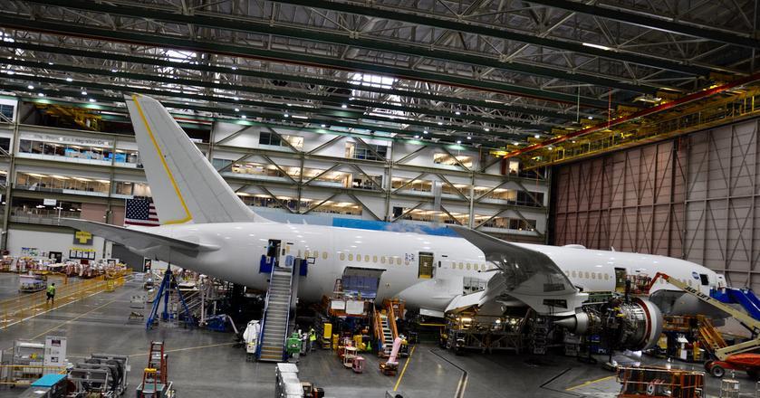 Boeingi 787 Dreamliner powstają w fabryce w Everett w stanie Waszyngton na zachodnim wybrzeżu USA