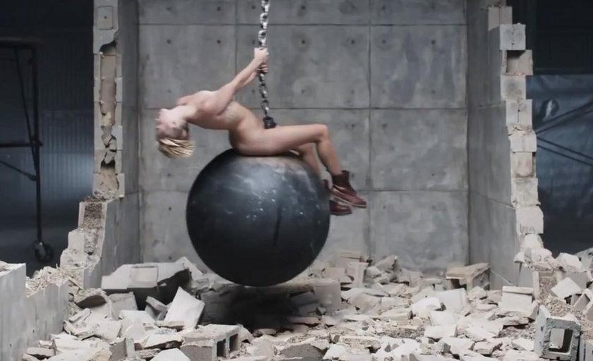 "Miley Cyrus ""Wrecking Ball"""