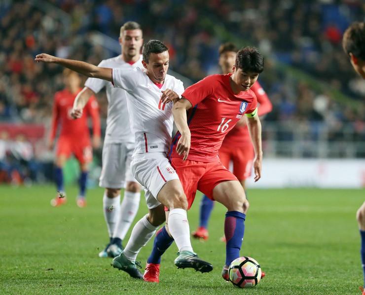 Fudbalska reprezentacija Srbije, Fudbalska reprezentacija Južne Koreje