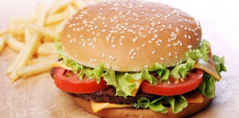 Darmowy burger za fotkę byłej. Hit czy kit?