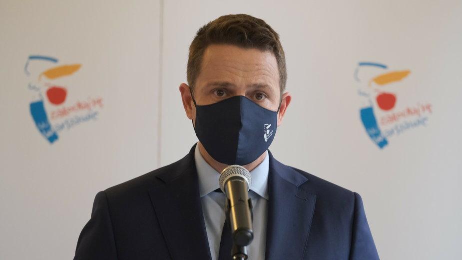 Groźby tylko podgrzewają nastroje - mówi Rafał Trzaskowski, prezydent Warszawy