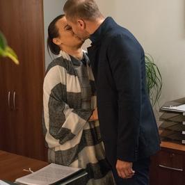 """""""M jak miłość"""": będzie romans? W rolach głównych Anna Mucha i Krystian Wieczorek"""