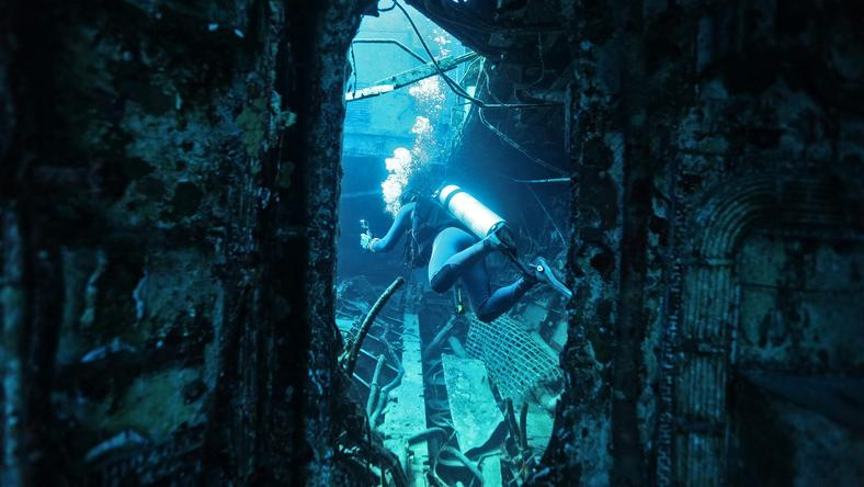 Na całym świecie wraki okrętów wojennych traktuje się jako ważne pamiątki historii