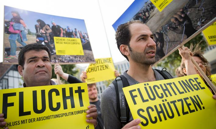 Rally against asylum policy tightening in Berlin