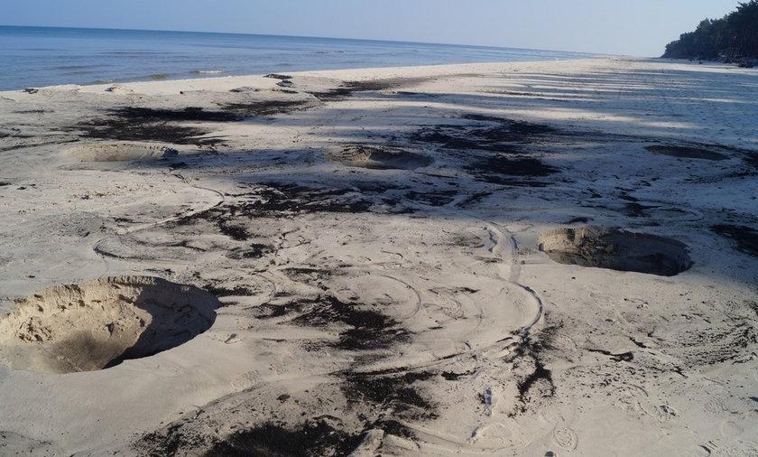 Złodzieje bursztynu niszczą plażę