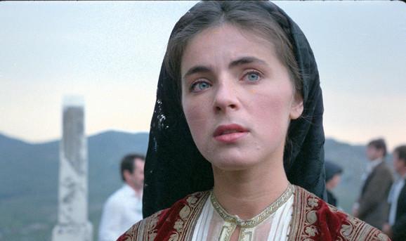 Mira Furlan kao Jaglika