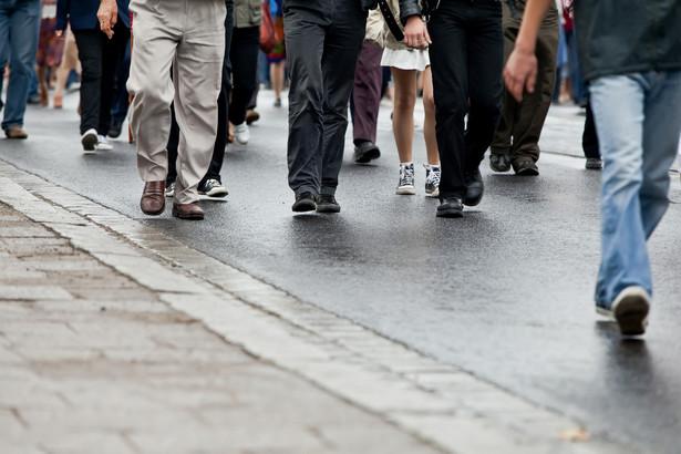 – Kilka minut przed rozpoczęciem marszu podjęliśmy decyzję o jego skróceniu z ponad kilometra do 400 m, aby ograniczyć ryzyko incydentów – opowiada DGP Marko Jakšić, organizator marszu.