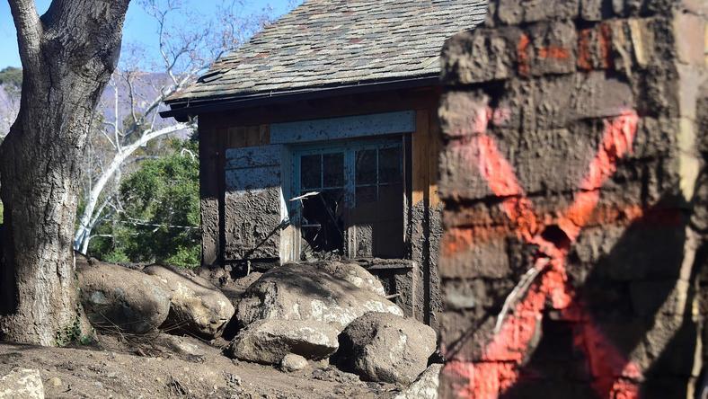 Montecito - wiele domów zawalił się pod naporem zwałów ziemi
