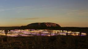 Świetlna instalacja u podnóża Uluru do 2020 roku