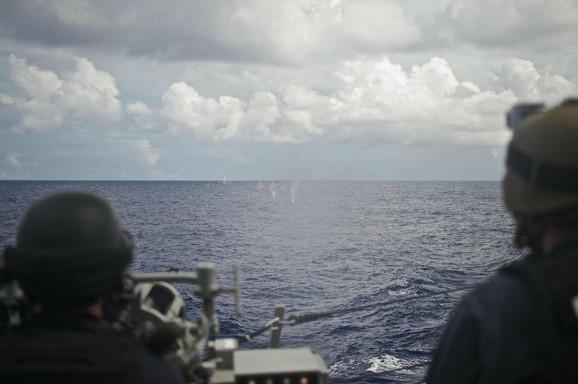 Američka mornarica na razaraču