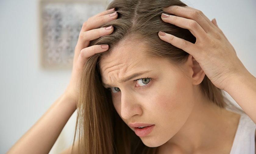 To przez te napoje wypadają włosy! Dermatolodzy ostrzegają