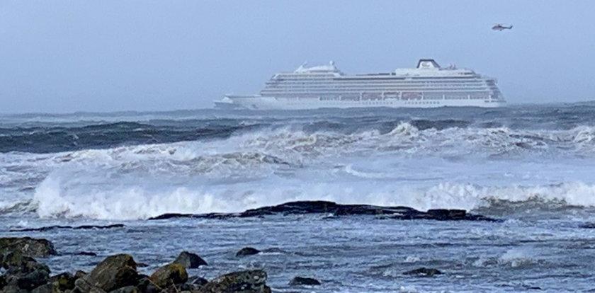 Dramatyczna akcja na morzu zakończona. Pasażerowie wycieczkowca uratowani
