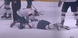 Piorunujący cios w lidze hokeja. Zawodnik stracił przytomność. ZOBACZ FILM