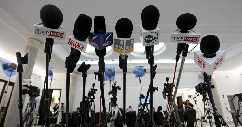 W związku z ograniczeniami pracy dziennikarzy w Sejmie, czołowe media w kraju planują na piątek własny bojkot polityków