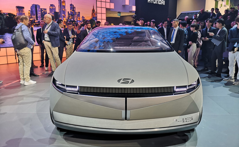 Hyundai 45