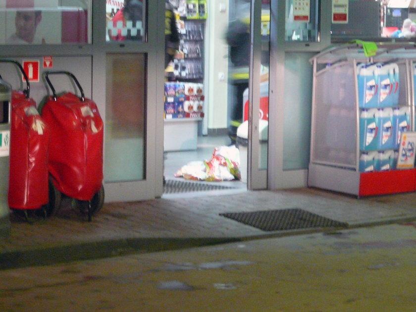 zasmrodzone produkty ze sklepu na stacji benzynowej
