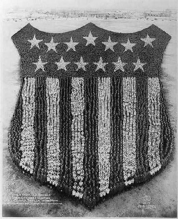 Ljudski štit (1918) - 30.000 oficira i ljudi