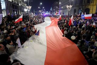 Protesty przed sądami w całej Polsce. W stolicy przed Pałacem Prezydenckim