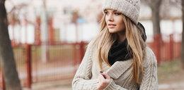 Swetry z sieciówek idealne na zimę. Wybraliśmy modele do 150 zł
