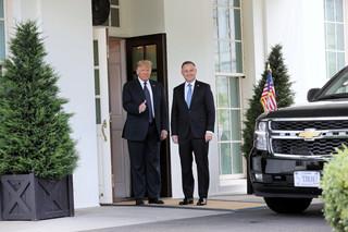W Białym Domu rozpoczęła się rozmowa w 'cztery oczy' prezydentów Dudy i Trumpa