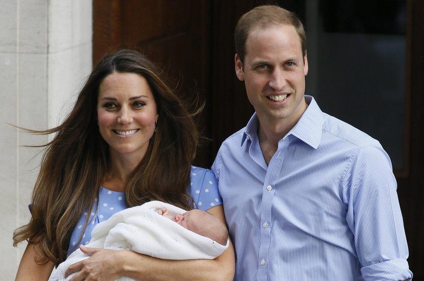 Kate Middleton i Książę William z synem Georgem