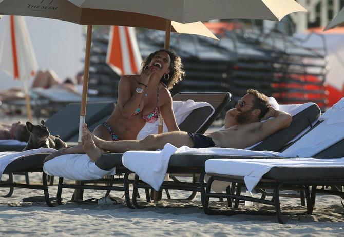 Zaljubljeni na plaži, ma čista romantika