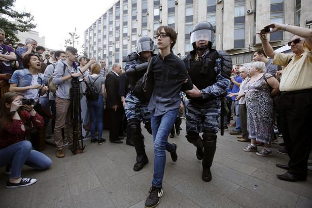 Nowaja Gazieta napisała, że marsze przeszły przez ulice ponad 200 miast.