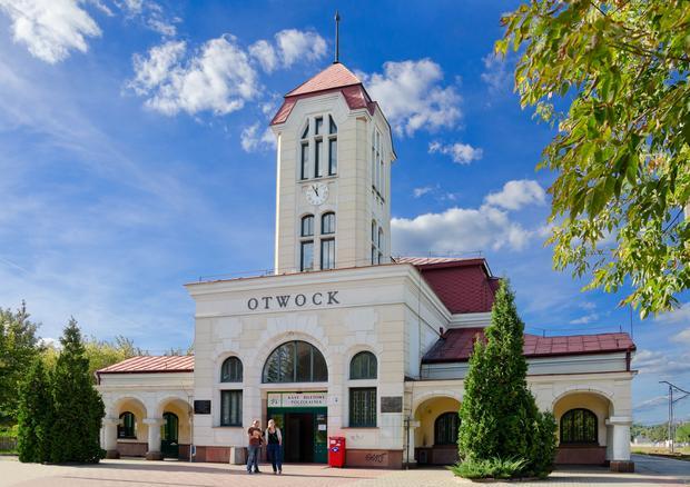 Stacja PKP w Otwocku. Budynek wg projektu Jana Fijalkowskiego powstal w 1910 roku