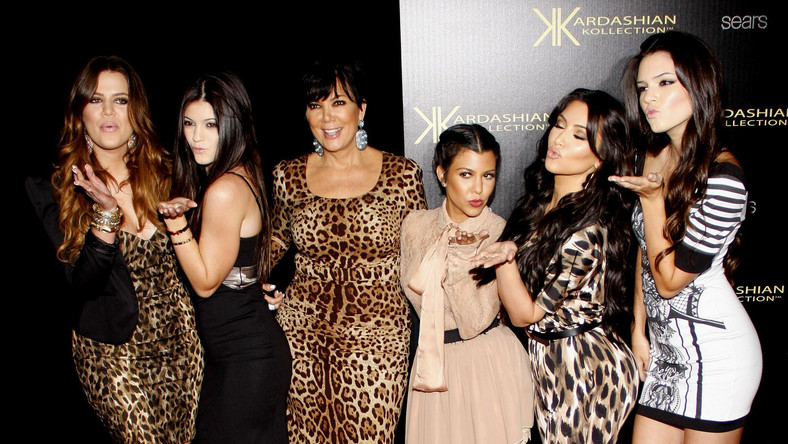 siostry Kardashian z matką: Khloe Kardashian, Kylie Jenner, Kris Jenner, Kourtney Kardashian, Kim Kardashian i Kendall Jenner