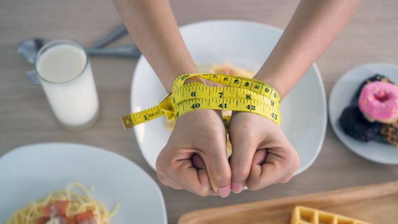 Dieta. Odchudzanie. Podjadanie.