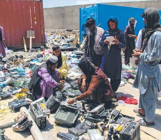 W Afganistanie miała być demokracja jest emirat talibów
