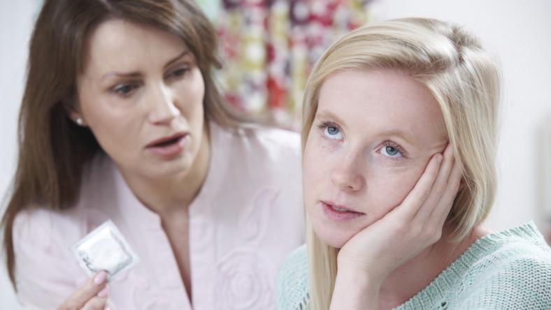 Jak rozmawiać z dzieckiem inicjacji seksualnej?