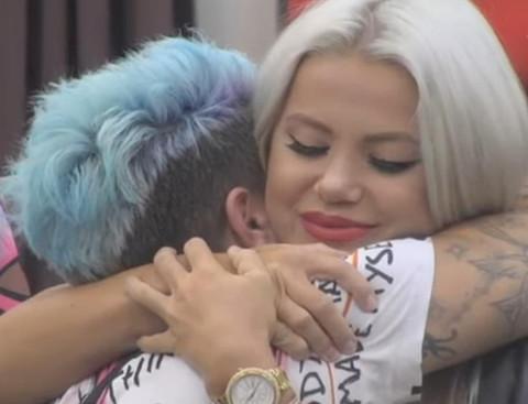 Ovakav poljubac Matore i Sanje još niste videli: Stankovićeva nikada iskrenije pričala o svojoj jačoj polovini!
