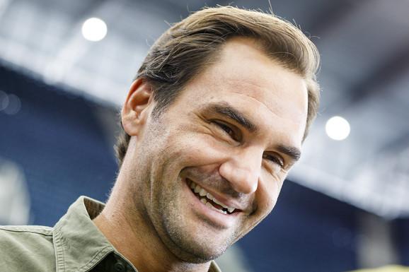 ŠTA JE SMEŠNO, RODŽERE? Zbog jednog pitanja o Novaku, Federer je UMRO OD SMEHA, ali šta je prava istina?