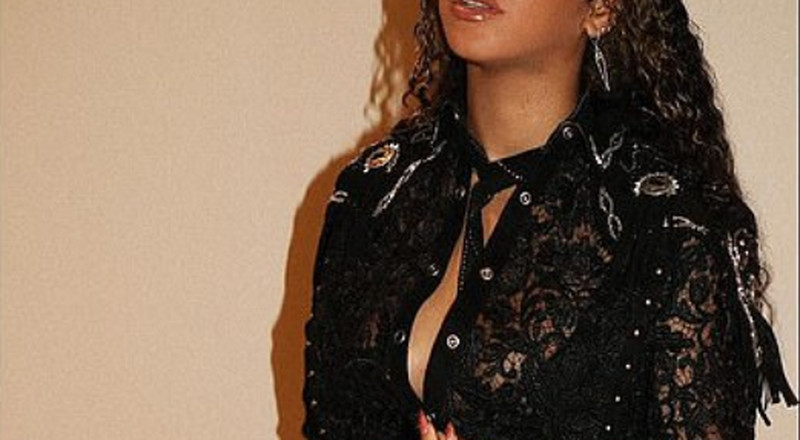 Beyonce takes us to the Wild Wild West with stylish new Instagram outfit post