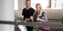 Dominika Tajner wpadła w ramiona nowego ukochanego na lotnisku. Jak oni się kochają! FOTO