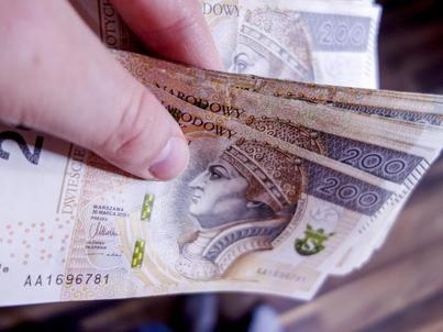 Banki płacą tzw. podatek bankowy od lutego 2016 r.