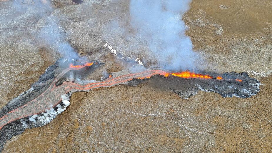 Islandia. W wulkanie Fagradalsfjall otwiera się nowa szczelina