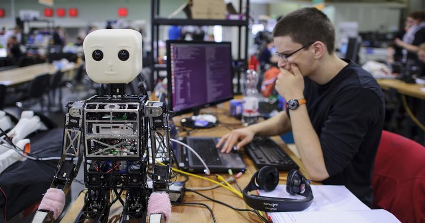 Ponad 70 proc. badanych przez WEF młodych uważa, że technologie tworzą miejsca pracy
