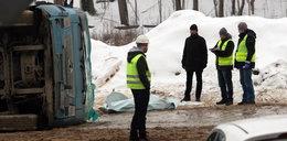 Kierowcę zabiło 30 ton żwiru