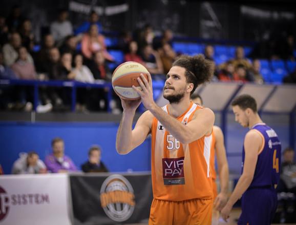 Košarkaš Dinamika Nikola Vujović