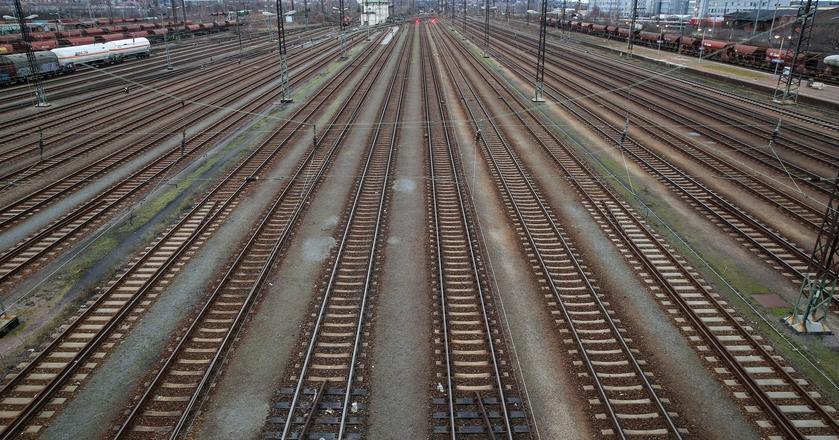 Sejm przyjął prawo usprawniające inwestycje w infrastrukturę kolejową
