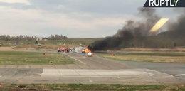 Dramatyczny wypadek na pasie startowym. Samolot stanął w ogniu
