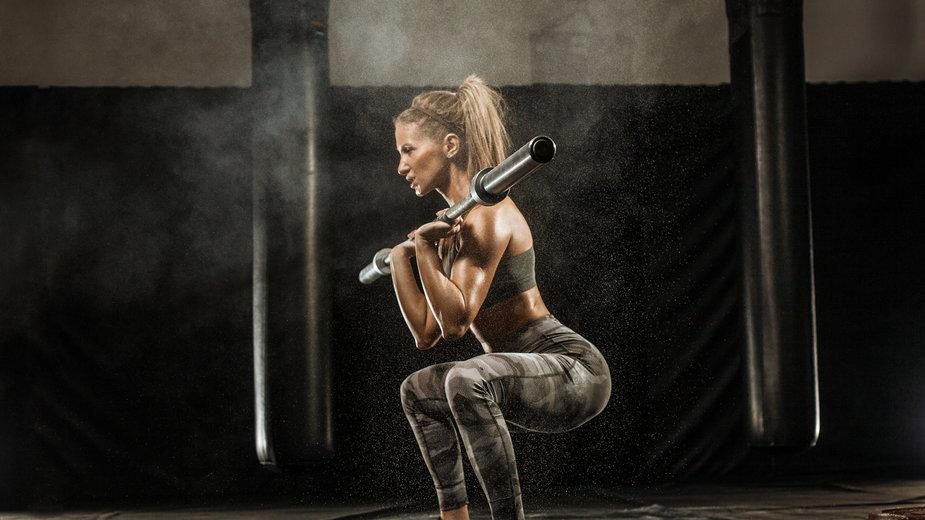 Trening na redukcję – czym różni się od treningu na rzeźbę?