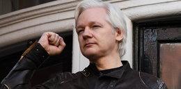 Ujawnił setki tysięcy tajnych dokumentów, ale nie zostanie wydany USA. Julianowi Assange znów się udało