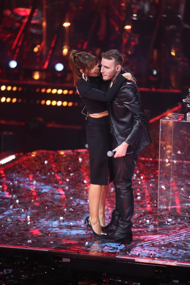 "Edyta Górniak and Krystian Ochman in the final ""Voice of Poland"""