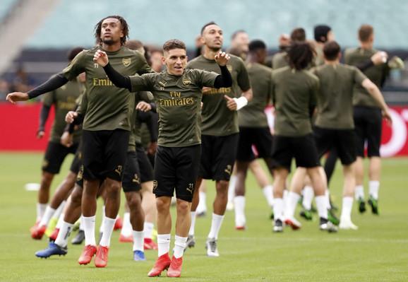 Trening fudbalera Arsenala u Bakuu