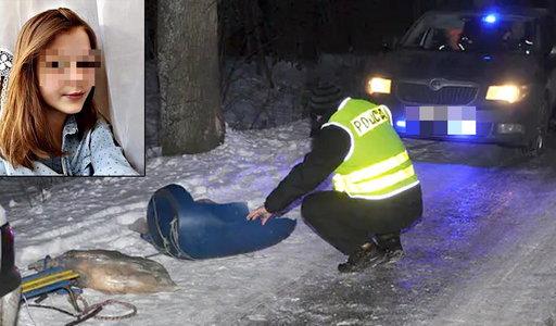 Tragedia na kuligu w Adamowie. Samochód ciągnął dzieci na workach foliowych.  Nie żyje 15-letnia Karolina
